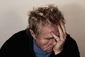 부비동염 축농증,수술 수술적인 치료는 염증이 있는 부비동을 개방하여