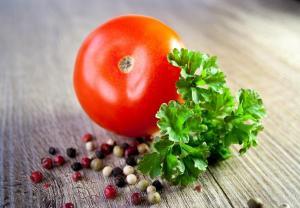 토마토 설탕은 영양소가 파괴되니 피한다